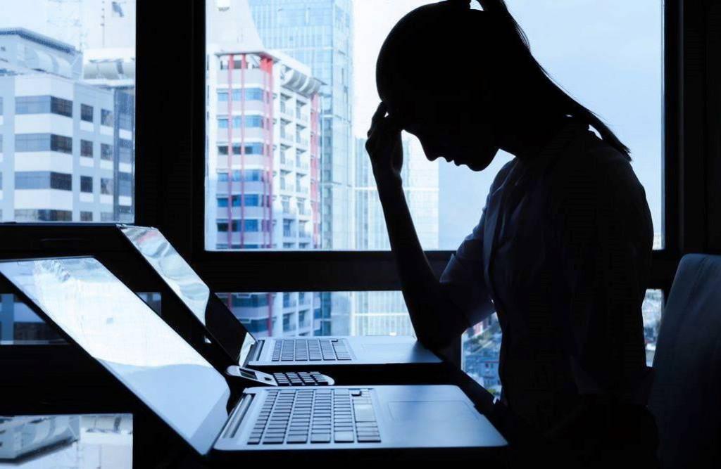 Насильство проти жінок з реалу перейшло до кіберпростору