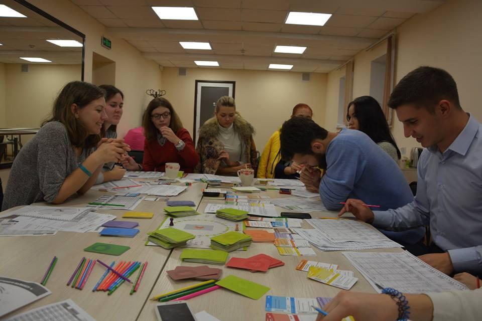 фото з тренінгів, присвячених проектному менеджменту та громадському активізму