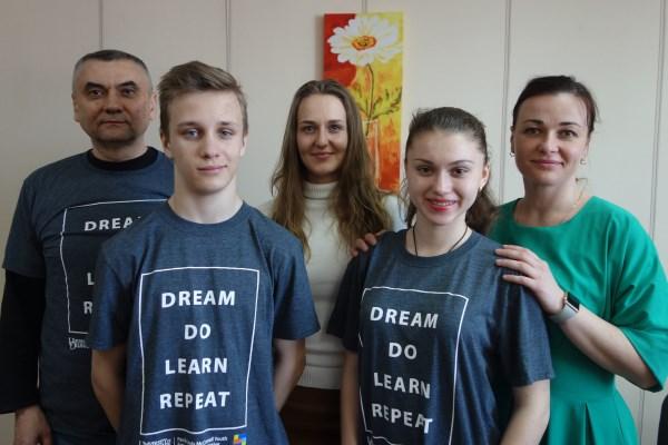 Двоє маріупольських школярів уперше представили Україну в конкурсі бізнес-проектів у США