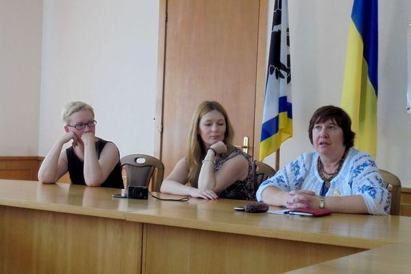 Агнешка Коморовська, Алла Прунь та Наталія Чаплинська, зустріч в обласній раді Івано-Франківська