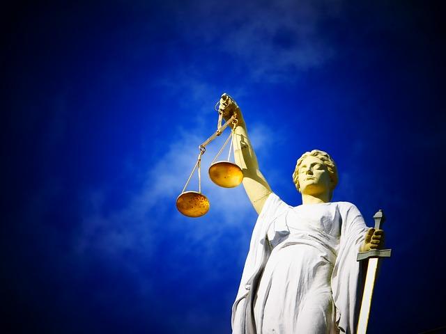 justice-2071539_640 (2)