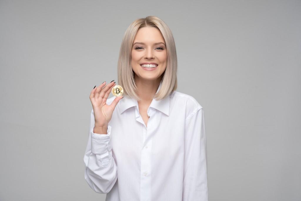 achievement-adult-bitcoin-1037915