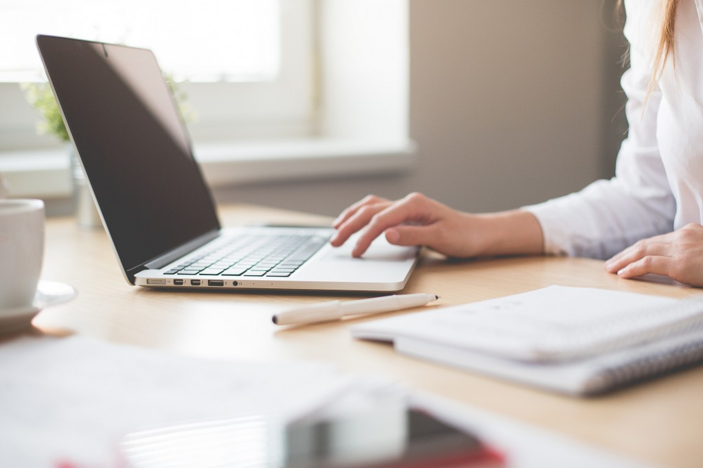 вакансія робота комп'ютер сайт редактор