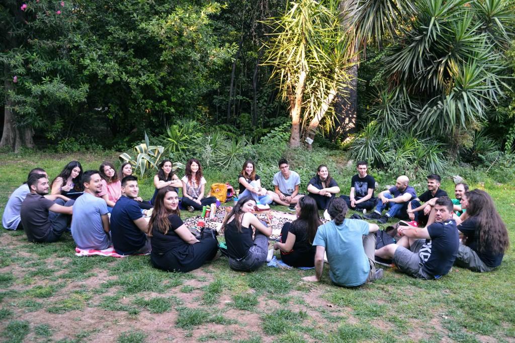 Волонтерська група Афін, зустріч