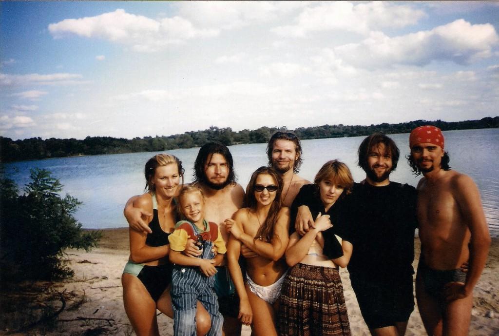 З друзями в молодості. Фото з фейсбук сторінки Андрія Тирси