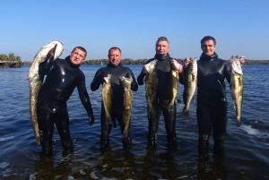 Ігор разом із колегами, з якими займався підводним полюванням