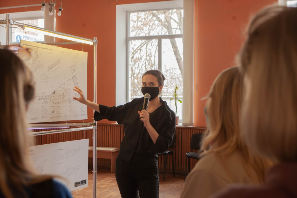 Архітекторка Анастасія Пономарьова розповіла про особливості архітектурної концепції громадського простору, який може об'єднати людей та птахів у місті