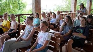 Учасниці семінару зіграли у гру, яка допомогла їм зрозуміти різницю між булінгом та конфліктом.