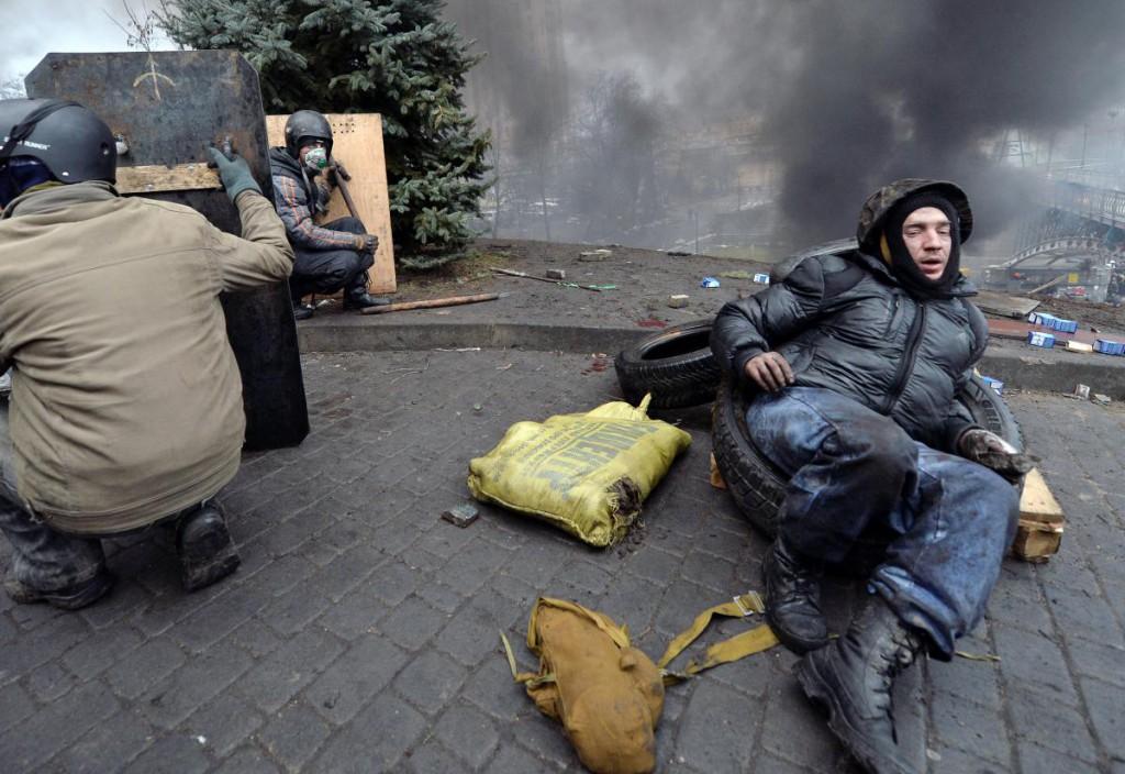 Іван Пантелєєв біля Жовтневого палацу 20 лютого. Фото: Сергій Супінський.