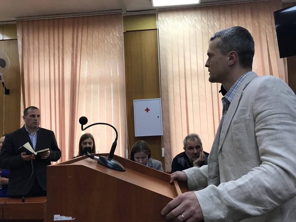 Ігор Луценко під час свідчень у суді. Фото: Наталія Двалі.